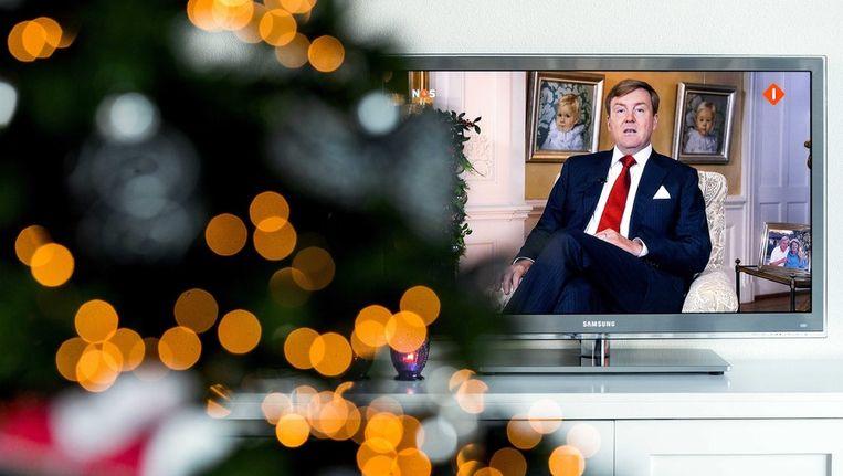 Willem-Alexander tijdens zijn kersttoespraak op televisie. Beeld epa