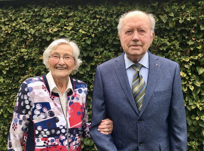 Toon en Wies van Rooij zijn op 18 oktober 65 jaar getrouwd.