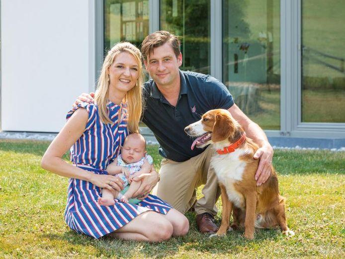 Kim, Benedikt et sa fille Liv vivent dans une maison préfabriquée exceptionnelle d'origine allemande.