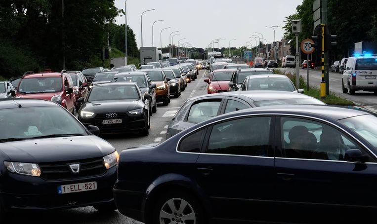 Het ongeval gebeurde op de Postzegellaan. Omdat de straat werd afgesloten, zorgde dat voor heel wat verkeersellende in Mechelen.