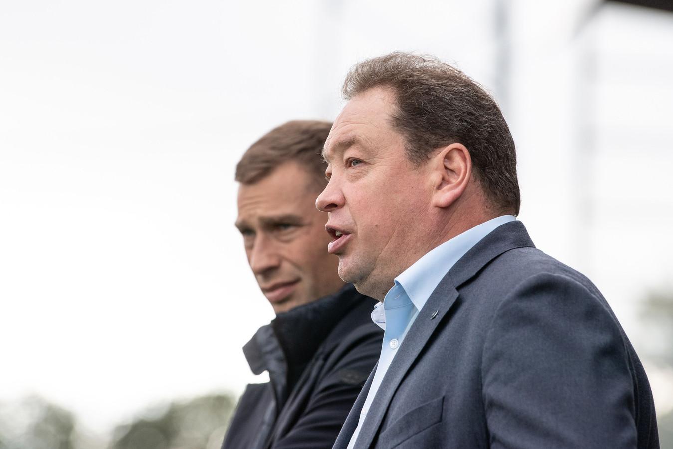 Aleksej Berezoetski en Leonid Sloetski.