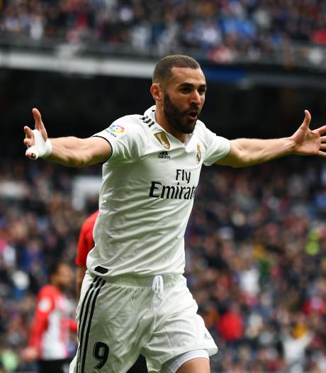 Benzema loodst Real Madrid met hattrick langs Bilbao