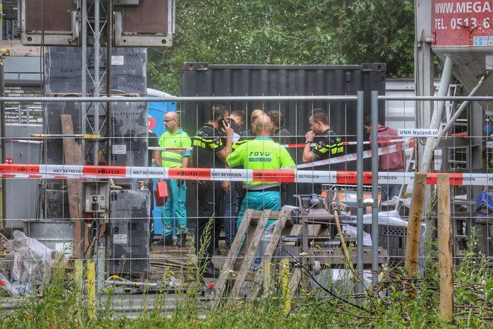 Hulpdiensten op de bouwplaats in Zeist.
