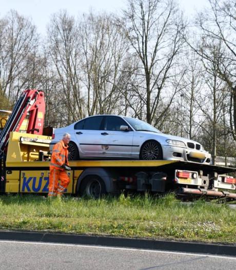 Opnieuw is het raak op de Sloeweg: auto's klappen op elkaar