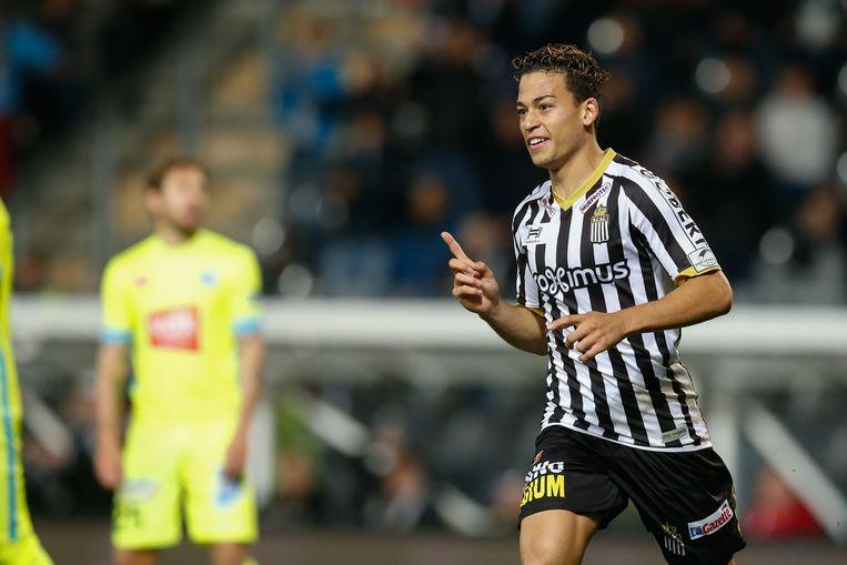 Christian Benavente na een zoveelste doelpunt.