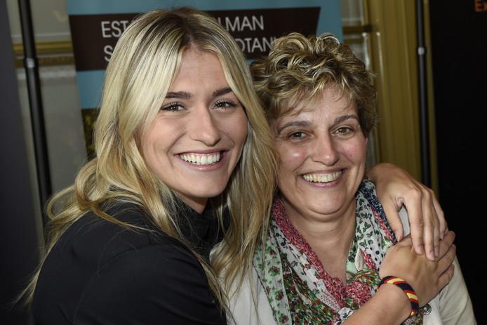 Estavana en haar moeder