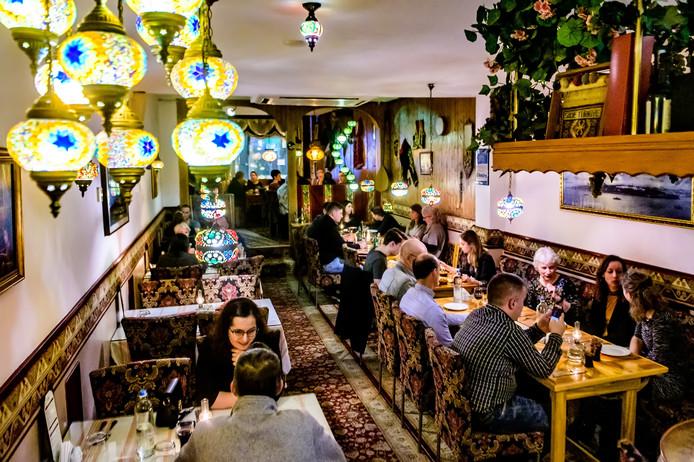 Restaurant L' Anatra, met traditionele Turkse inrichting