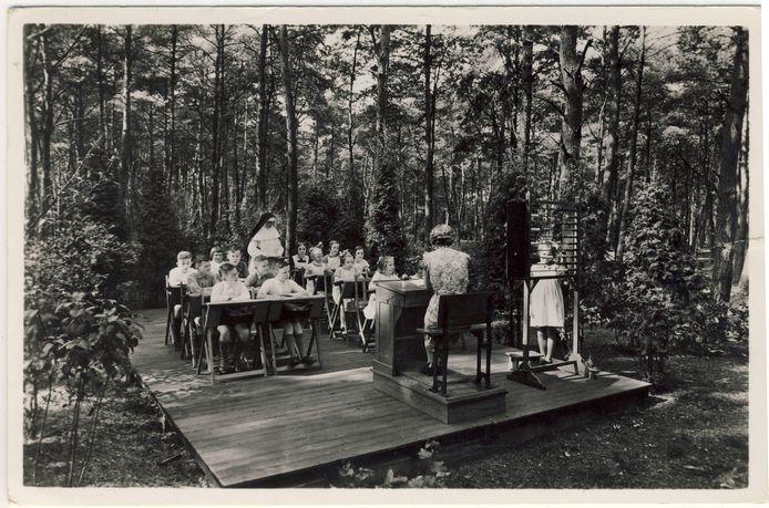 Niet alleen in Amersfoort werd buiten onderwijs gegeven, maar ook in sanatorium Berg en Bosch in Bilthoven.