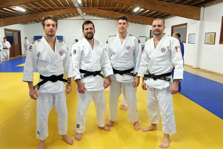 De Tieltse judoclub heeft voortaan met Jarne Lattré, Jonas Deneir, Thijs Vandevondele en Gaétan Lambrecht vier trainers in huis met het diploma van Instructeur B.