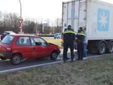 Automobilist botst achterop vrachtwagen in Drunen