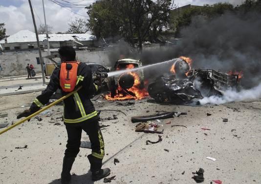 Al-Shabaab pleegt geregeld aanslagen in de Somalisch hoofdstad Mogadishu. Op 7 september werd bij een populair restaurant een autobom tot ontploffing gebracht, waarbij ten minste 15 doden vielen.