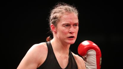 Delfine Persoon wacht op contract voor kamp tegen Katie Taylor