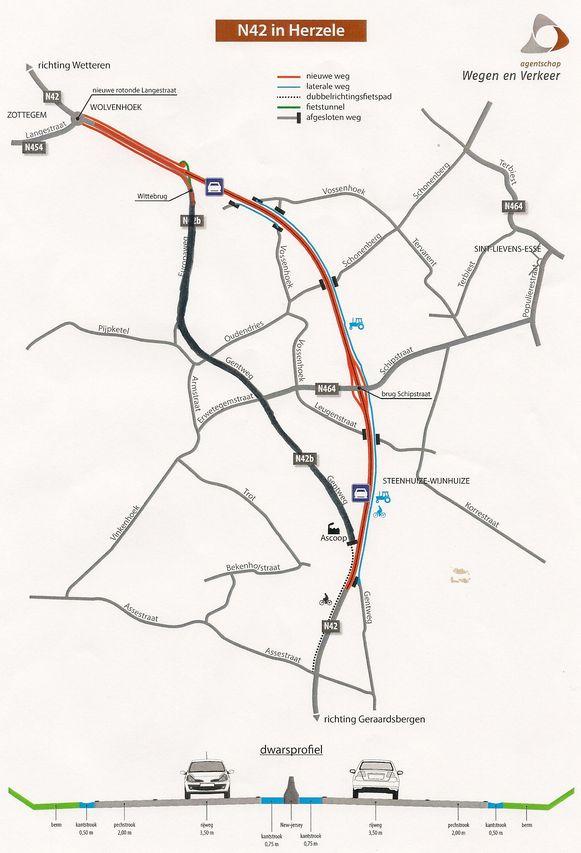 Het rode trace maakt één lange bocht door de velden van Sint-Lievens-Esse en Steenhuize.