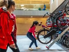 's Werelds grootste fietsenstalling dreigt vol te lopen, dus zoekt de gemeente naar 10.000 extra plekken