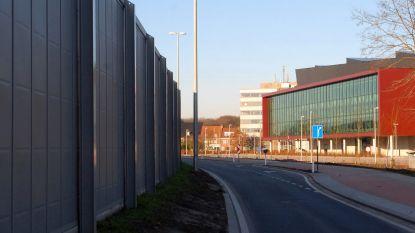 Wéér vertraging voor geluidsschermen: stad stelt zich vragen