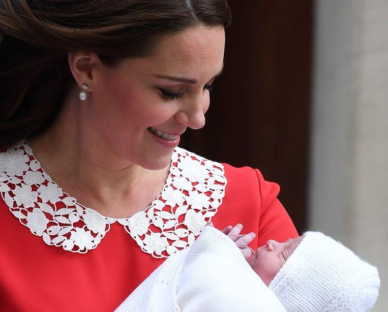 Kate Middleton en haar pasgeboren baby.