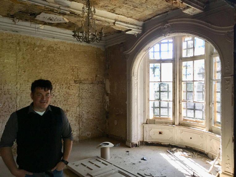 Er ligt wel al een nieuw dak op het kasteel maar binnenin is er nog veel werk.