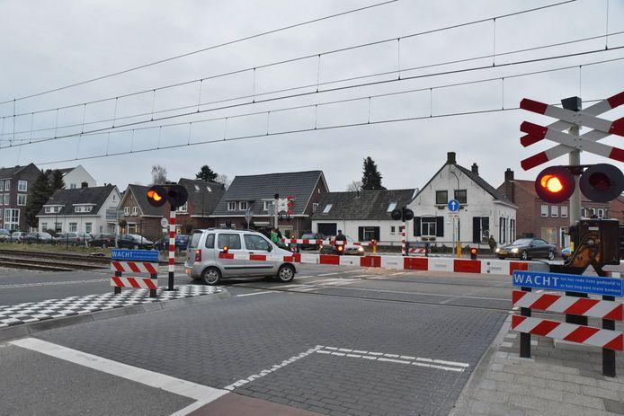 Gevaarlijke situaties op spoorwegovergang in Oisterwijk door defecte trein