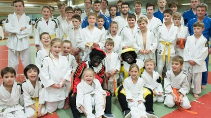 Judoclub 2.000 promoveert na mooi seizoen