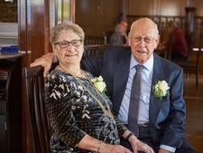 Harry en Mia zestig jaar getrouwd, na eerst ontmoeting op kermis