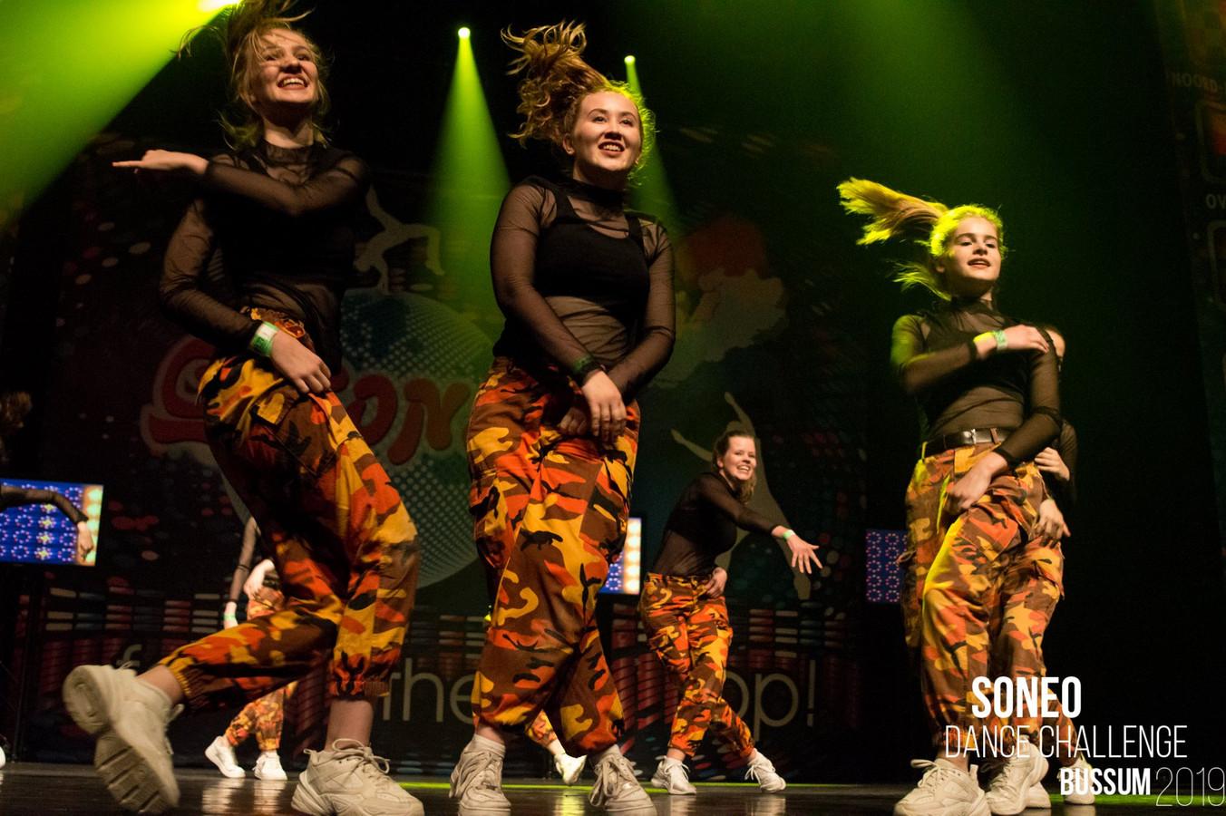 D-Radiation uit Raalte heeft dit weekend onder leiding van Ilse Reinink de titel in de wacht gesleept tijdens het Soneo NK in de categorie streetdance/hiphop (14-17 jaar)