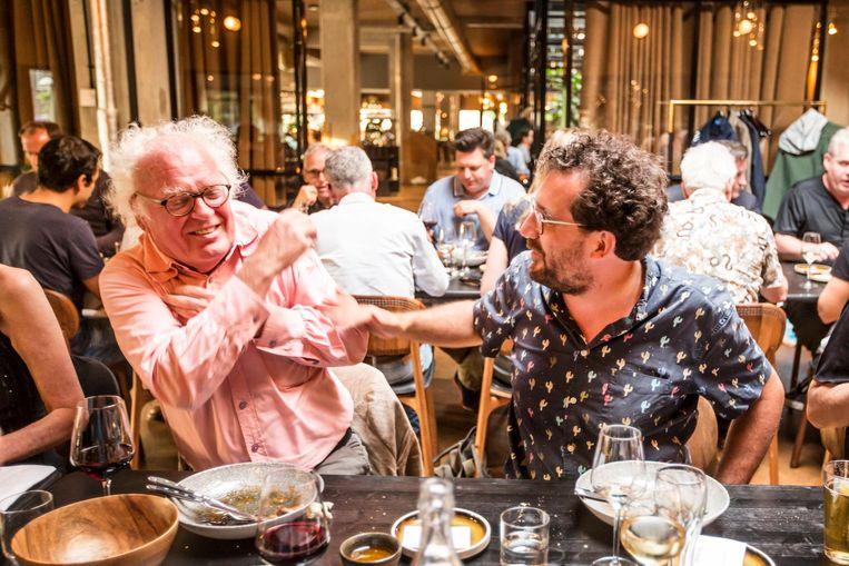 Henk Spaan en Gijs Groenteman, de nieuwe Statler en Waldorf van Het Parool. 'Ik vind het niet leuk om aangeraakt te worden' Beeld Eva Plevier