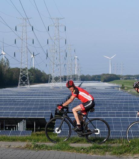 Waddinxveen wil bedrijven dwingen zonnepanelen op daken te leggen