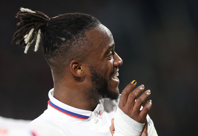 Soccer Football - FA Cup Fourth Round - Hull City v Chelsea - KCOM Stadium, Hull, Britain - January 25, 2020  Chelsea's Michy Batshuayi reacts  Action Images via Reuters/Carl Recine