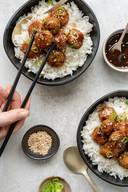 Teriyaki-kipballetjes met rijst