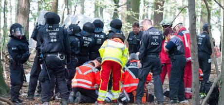 Journalist overleden na val uit boomhutdorp in Duits 'bruinkoolbos'