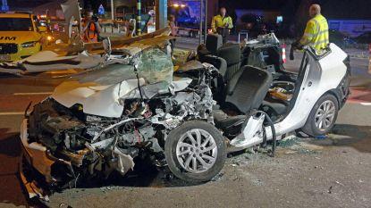 Frontale botsing in Sint-Kruis-Winkel: bestuurder even in levensgevaar