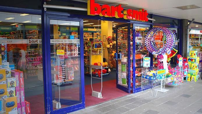 Tweetal Met Mes Overvalt Speelgoedwinkel Vlaardingen Rotterdam Adnl
