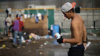 Mexico repatrieert eerste 105 Centraal-Amerikaanse migranten van de karavaan