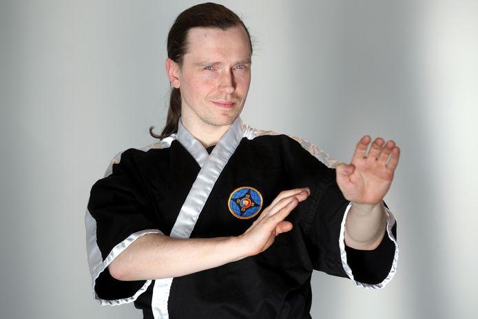 Hans Balcaen is de bezieler en stichter van vechtsportclub Fighting Spirit in Gistel.