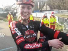 18-jarige Fem van Empel tekent profcontract bij bij Pauwels Sauzen: 'De jongste veldrittopper sinds Marianne Vos in 2004'