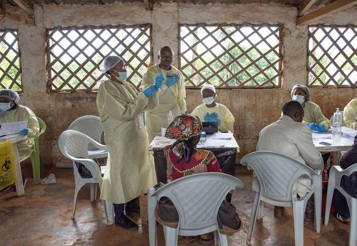 Een WHO-team deelt ebola-vaccinaties uit in Butembo, Congo.