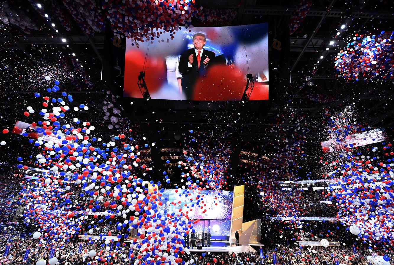 Trump op het podium tijdens de Republikeinse Conventie van 2016 in Cleveland, Ohio.