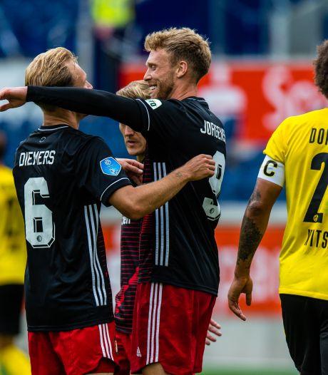 Feyenoord geeft sterren van Dortmund het nakijken en boekt ruime overwinning