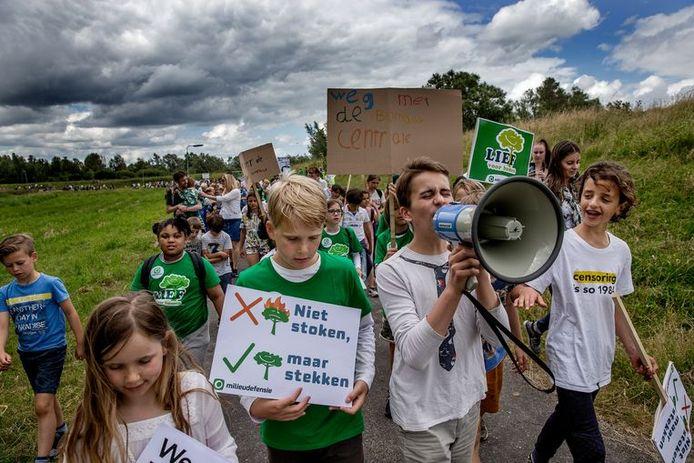 In juli 2019 demonstreerden kinderen tegen de komst van de biomassacentrale en luchtvervuiling.