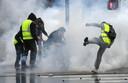Al maanden gaan in Frankrijk demonstranten in gele hesjes de straat op.