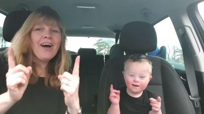 Mooiste carpool karaoke tot nu toe: moeders zingen samen met hun kinderen met Down