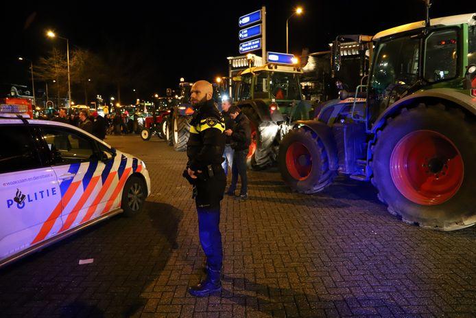 Boeren blokkeren het Keizer Karelplein in Nijmegen.