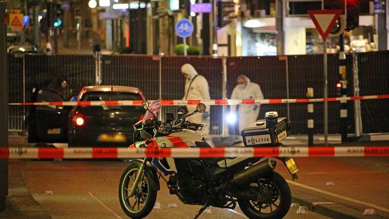 Politie-onderzoek op de plaats waar El Kahtaoui werd doodgeschoten. Beeld anp