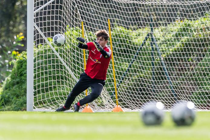 De schorsing voor doelman Diederik Boer betekent dat Mickey van der Hart voor het eerst dit seizoen een basisplaats heeft bij PEC Zwolle.