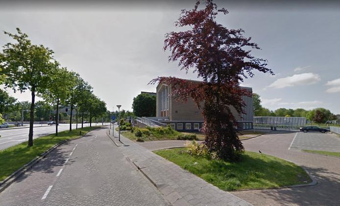 De beroving vond plaats in de buurt van de Adventkerk.