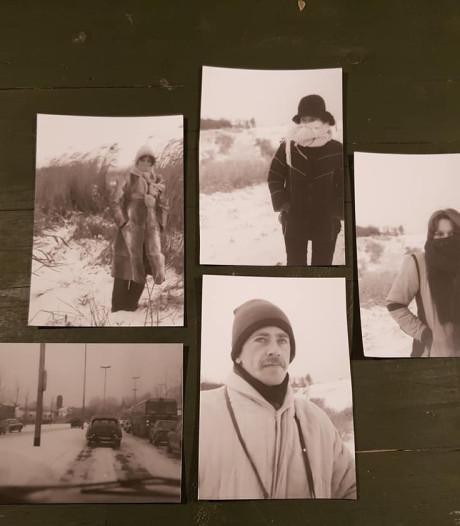 Jurn kocht een camera in de kringloop en zoekt nu de eigenaar van oude foto's via Facebook