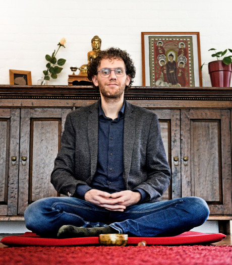 Joost (43) uit Zwolle boekte enkeltje Bangkok en zat 3 jaar zwijgend in klooster. Nu is hij terug