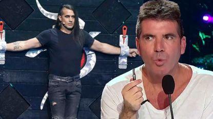 Levensgevaarlijke act met kruisboog loopt helemaal fout in 'America's Got Talent', jury moet ingrijpen