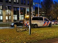 Bestuurder OV-fiets gewond bij aanrijding in Apeldoorn