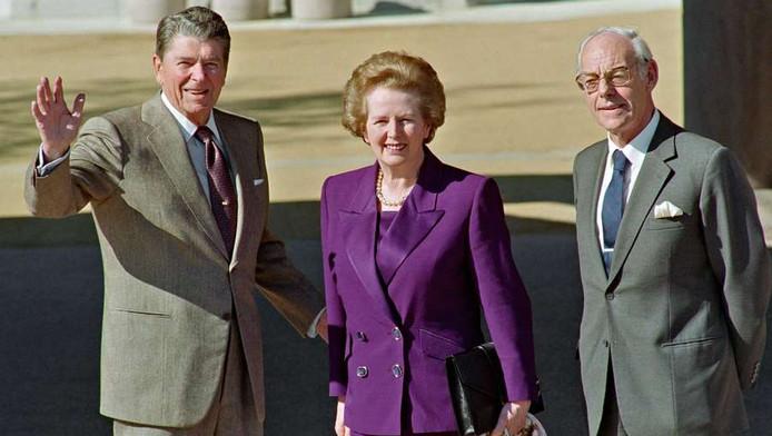 L'ex-président américain Ronald Reagan, Margaret Thatcher et son époux en 1991